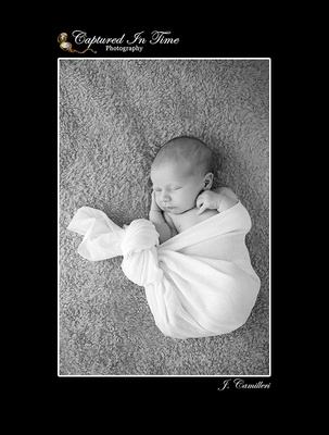 Newborn photography by Adelaide photographer, Captured in Time Photography